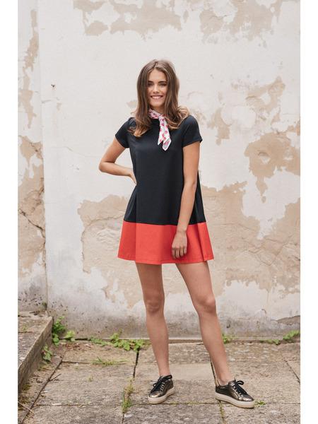 Mini  šaty vtrapézovej línii