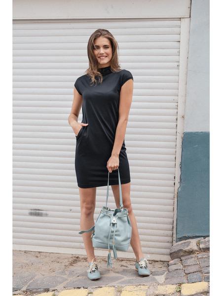 Čierne rovné šaty sbočnými vreckami