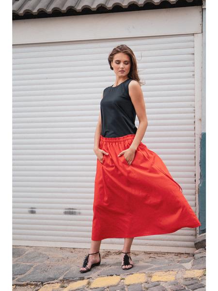Dlhá riasená sukňa