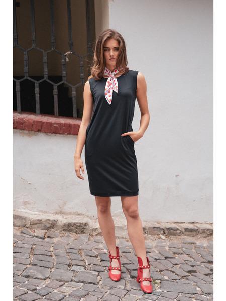 Rovné šaty sokrúhlym výstrihom bez rukávov