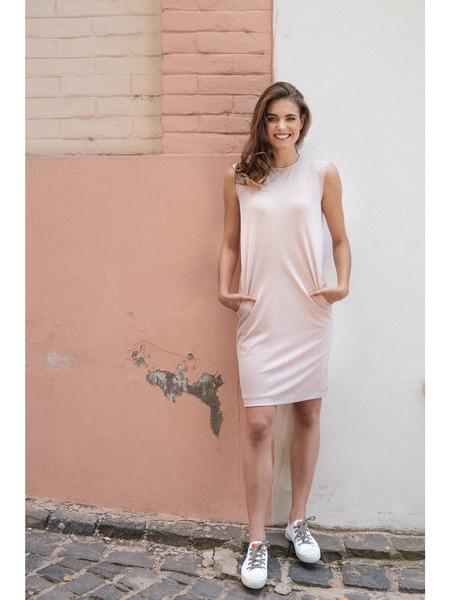 Rovné šaty sbočnými vreckami bez rukávov