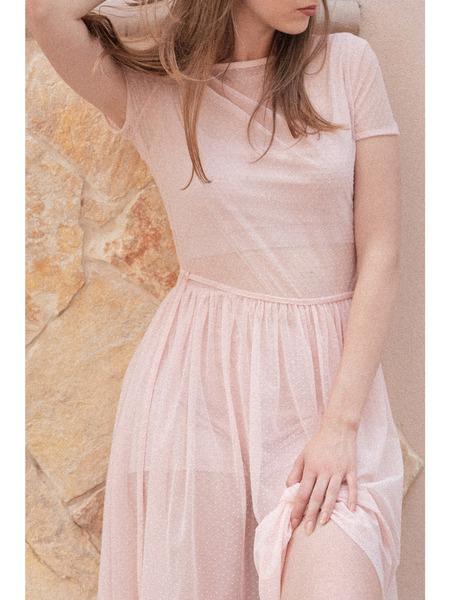 Crop top ašortky pod tylovými transparentnými šatami
